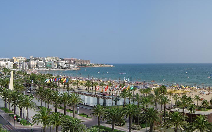 What makes L'Ametlla de Mar an attractive place to buy property